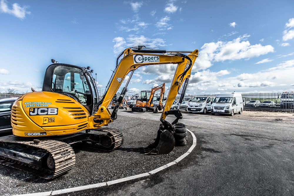 Plant hire thumnail on About us page